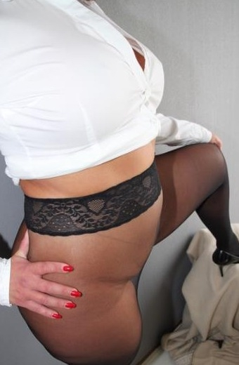 erotische massage in limburg meesteres golden shower
