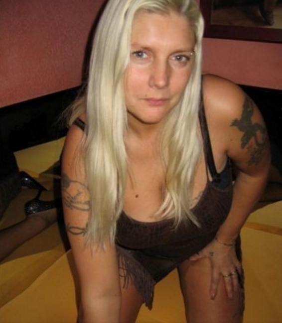 man zoekt trio amateur escort limburg